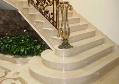 escada-marmoraria-zona-leste-marmore-granito